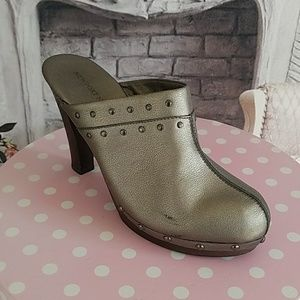 Newport News Women's Shoes Mules Pewter Size 10B